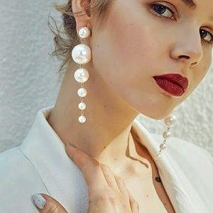 Jewelry - * Drop Pearlized Globe Dangle Earlings*